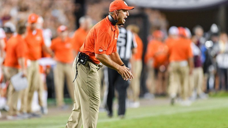 Sunday Night Update: Swinney talks playcalling, injuries, and play of offensive line