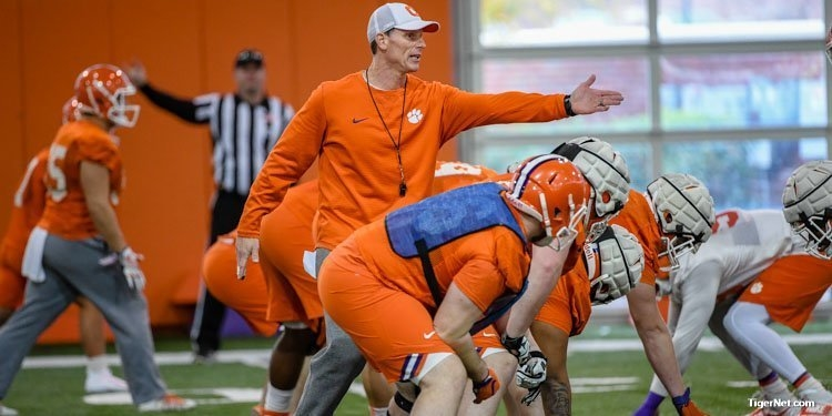 Brent Venables during practice for the Cotton Bowl