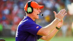 Clemson extends contract for Brent Venables