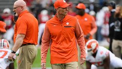 Venables sees scrimmage struggles as exception for defense in camp