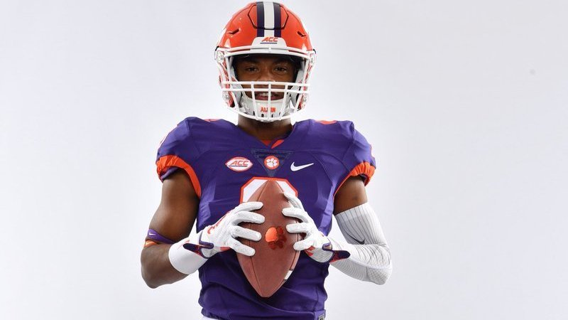 Goodrich poses with his family during his Clemson visit