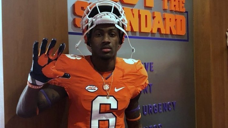 Jones picked up Clemson's offer in January on the same day he reclassified to the 2019 class.