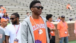 Instant analysis: Taisun Phommachanh signs with Clemson