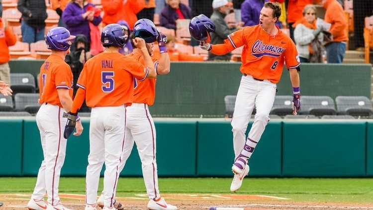 Logan Davidson knocked in two more runs in the 14-hit effort for the Tigers.