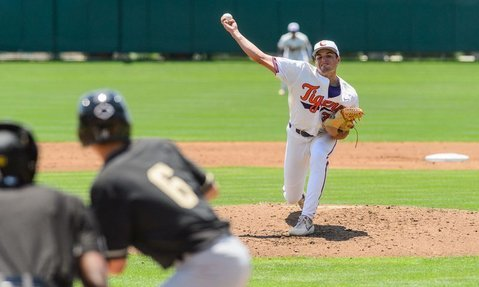 Two rough innings marked the outing for freshman righty Davis Sharpe. (Photo by David Grooms)