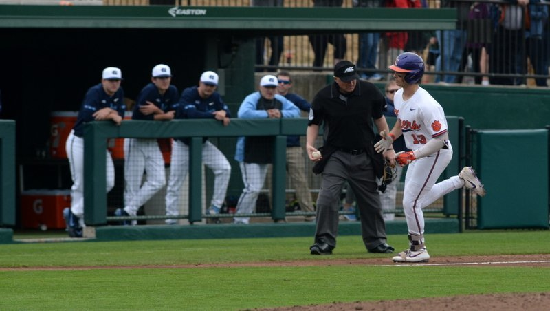 An impressive offensive display from the Tigers over the weekend has Clemson moving up in the polls.