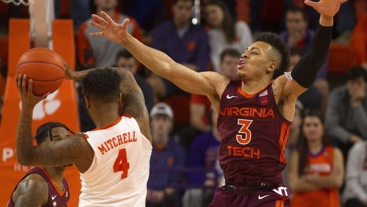 Shelton Mitchell scored 22 points to lead Clemson to the victory (Photo by Josh Kelly, USAT)