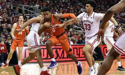 Clemson guard suffers torn ACL