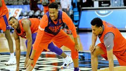 Former Clemson forward commits to SIU