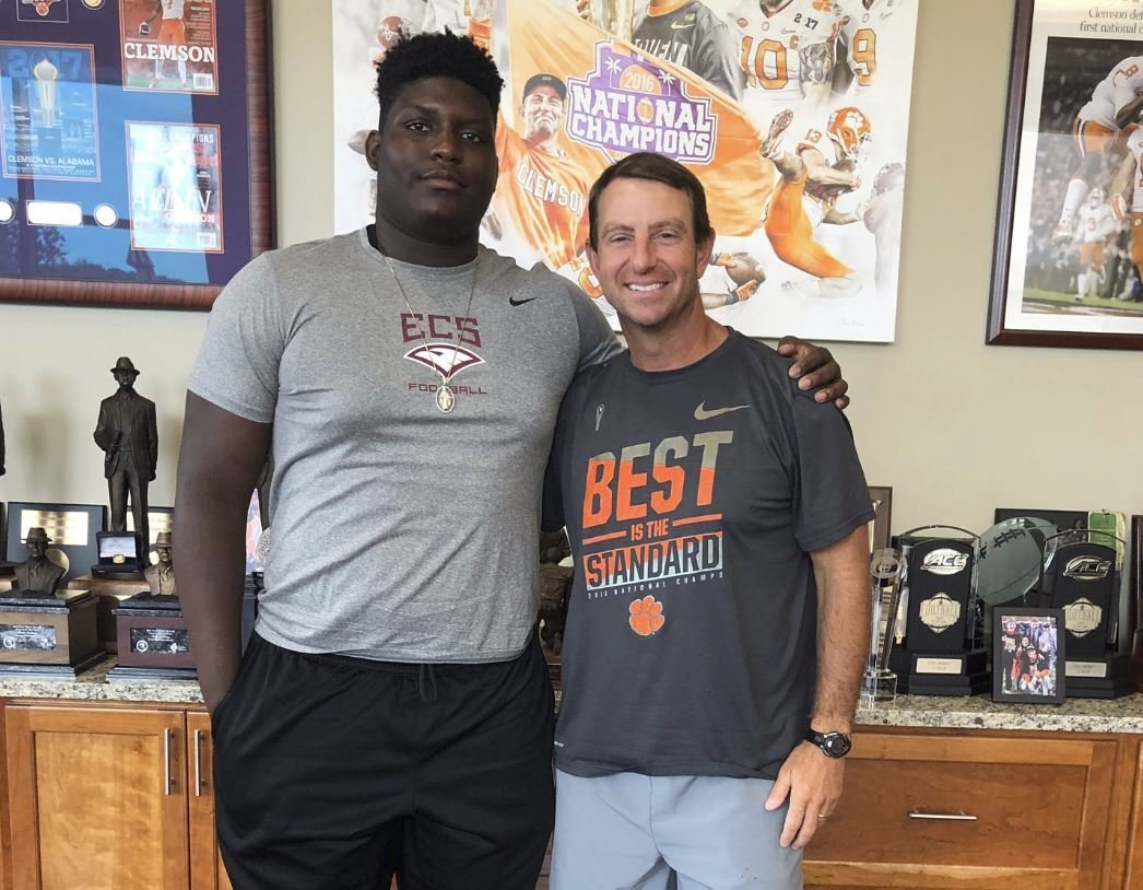 Tennessee lineman picks up Clemson offer after camp workout