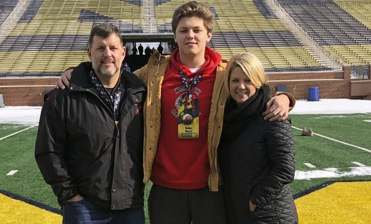 Top-rated OT prospect adds Clemson offer
