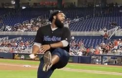 WATCH: Christian Wilkins throws out first pitch at Marlins game