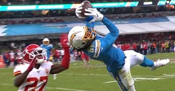 WATCH: Mike Williams with 50-yard diving catch vs. Chiefs - TigerNet.com