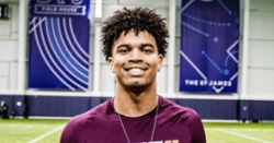 Clemson offers No. 1 dual-threat QB
