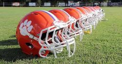 DeAndre Hopkins buys helmets for Central Rec football teams