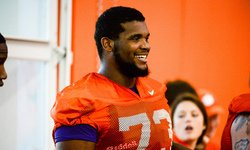 Former Clemson OL signs with AAF team