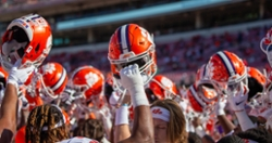 Clemson reserve linebacker enters transfer portal