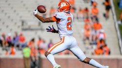 Clemson freshman WR underwent knee procedure