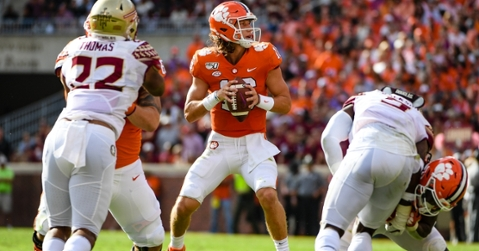 Trevor Lawrence stands in front of teammates to deliver impassioned speech
