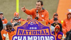 Rookie jersey numbers for Hunter Renfrow, Clelin Ferrell, Trayvon Mullen