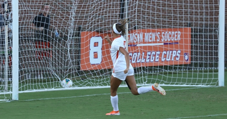 Mariana Speckmaier scored the Tigers' first goal midway through the first half (Credit: Allen Hodges)
