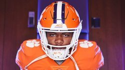 Twitter reacts to 5-star RB committing to Clemson
