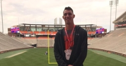 Top Florida defensive end takes in Clemson for a fifth time