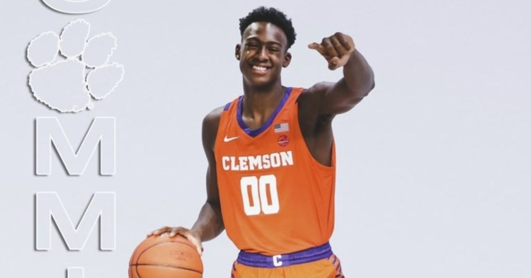 4-star forward commits to Clemson