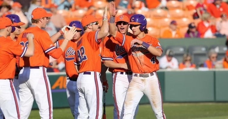 White hit .275 with 22 doubles, four triples, eight homers and 61 RBIs as a Tiger.