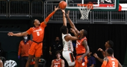 Simms' 25 points and late heroics lift Clemson over Miami