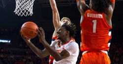 Mack's career-high 32 points leads Clemson to thrilling win over Syracuse