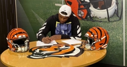 Former Clemson WR signs with Bengals