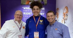 Clemson offers 4-star OT on Junior Day visit