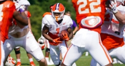 Elliott leans on the running game in stadium scrimmage