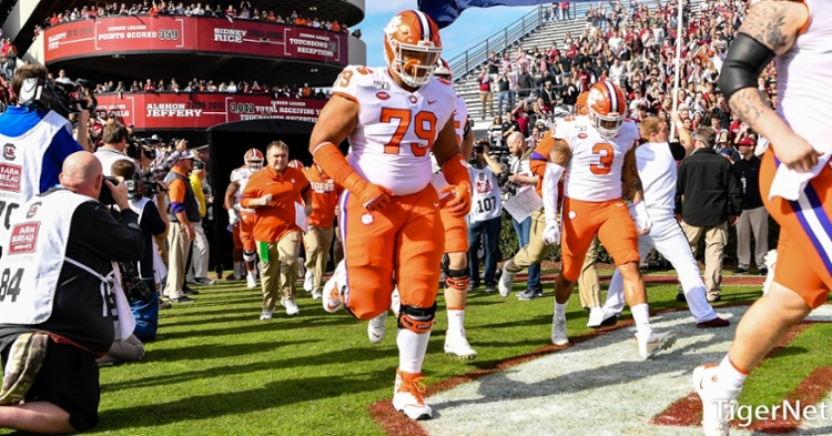 Clemson lineman declares for the NFL draft