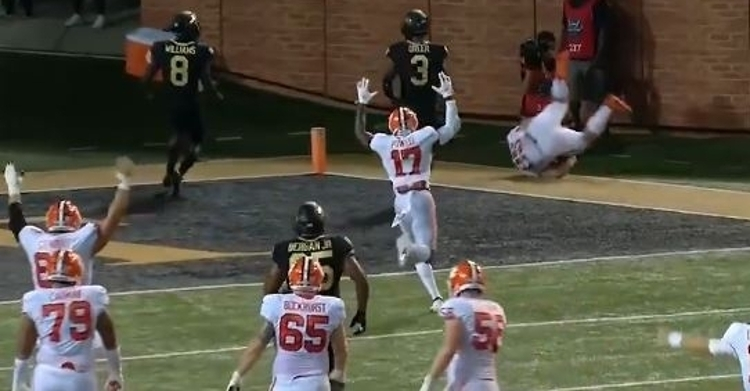 WATCH: First career touchdown reception for J.C. Chalk