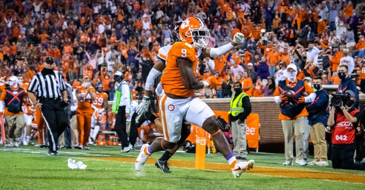 Travis Etienne scores a touchdown in the first quarter. (ACC Photo)