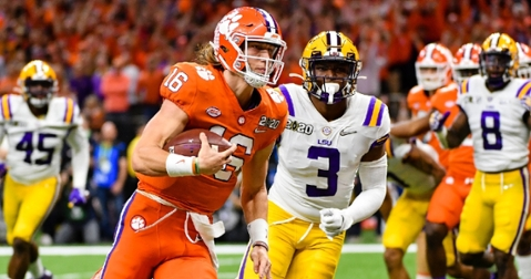 Lawrence runs for a touchdown against LSU