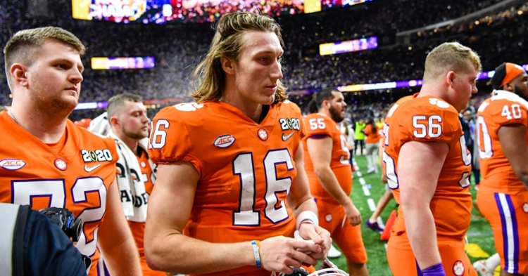Clemson players tweet after title loss, thank the fans