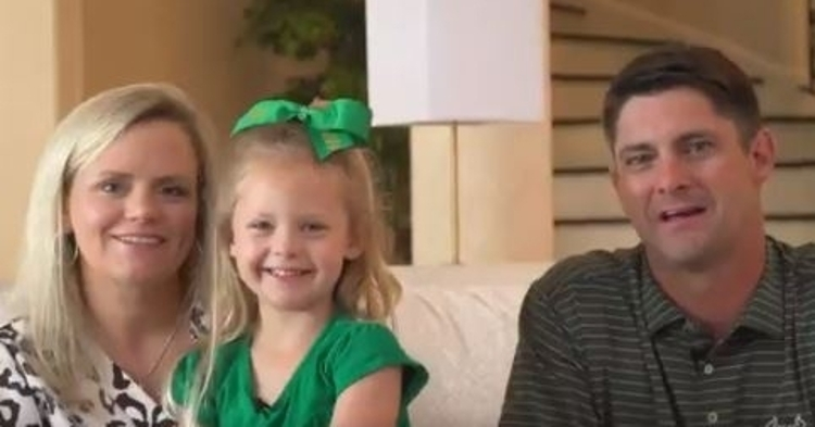 WATCH: Jeff Scott and daughter make surprise announcement