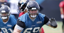 Former Clemson OL re-signing with Jaguars