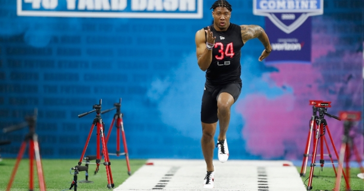 Simmons runs the 40 at the NFL Scouting Combine  (Photo: Brian Spurlock / USATODAY)