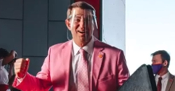 WATCH: Clemson players react to Dabo Swinney's fashion