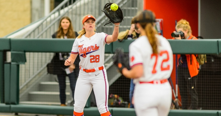 Clemson softball streaks stopped as Pitt salvages finale