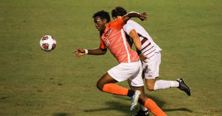 Mohamed Seye scored twice in the win (Photo per Clemson athletics)