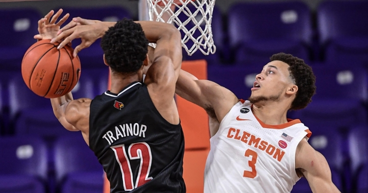 Clemson returned to its prime defensive form on Wednesday by giving up only 50 points to Louisville.