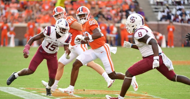Clemson stays outside top-5 in AP Poll