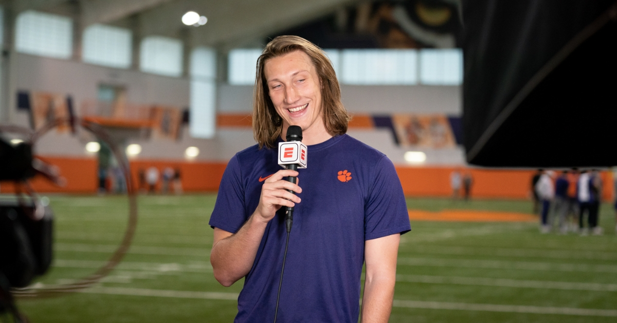 Report: Trevor Lawrence set to sign with major apparel company