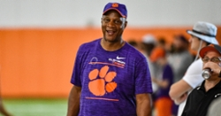 Camp Insider: Charles Barkley, Darryl Strawberry on hand as Tigers hit third day