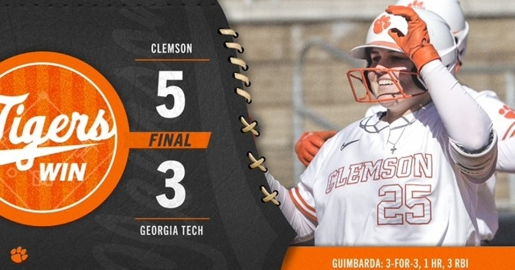 Clemson improves to 4-2 in ACC with the sweep. (Photo courtesy Clemson Softball)